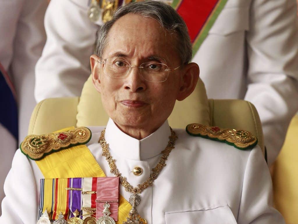 Hommage au Roi de Thaïlande : Sa Majesté Bhumibol Adulyadej