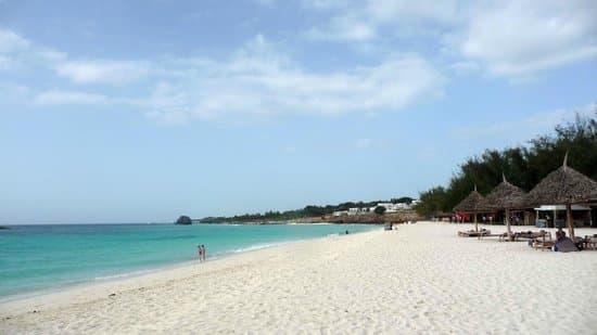 plage eau zanzibar océan sable soleil