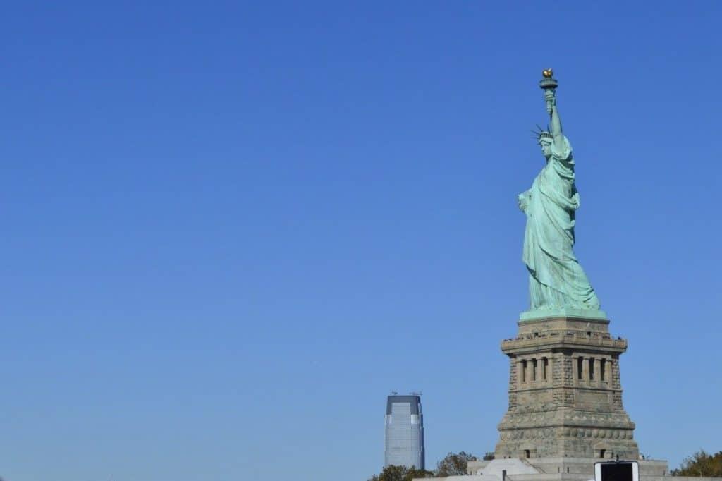 Voyager aux États-Unis : différences entre l'ESTA et le visa
