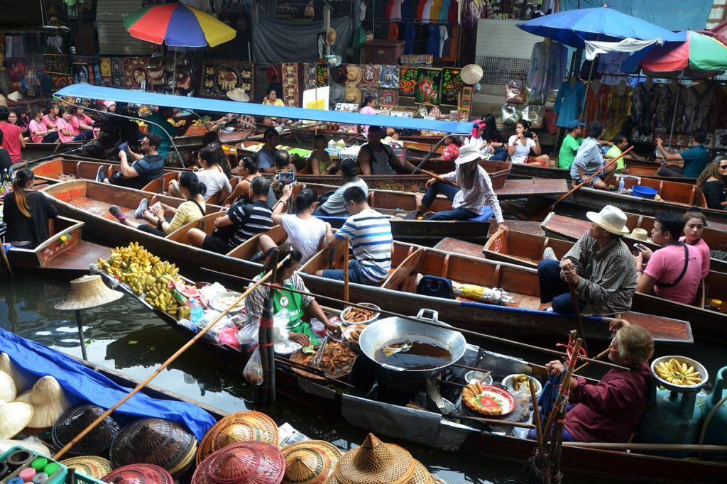 Amphawa, une ville au marché flottant authentique
