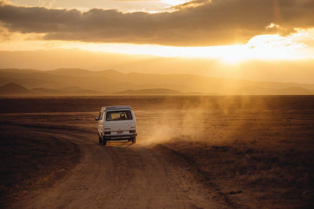 Comment bien préparer son voyage en van?